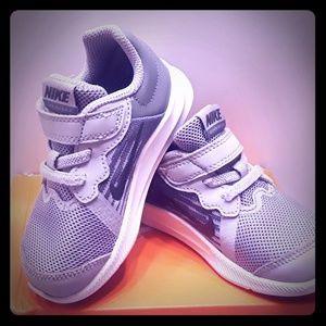 Grey wolf Nike Downshifter 7c